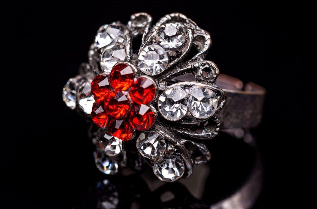 ring-with-stones-PEZ2426